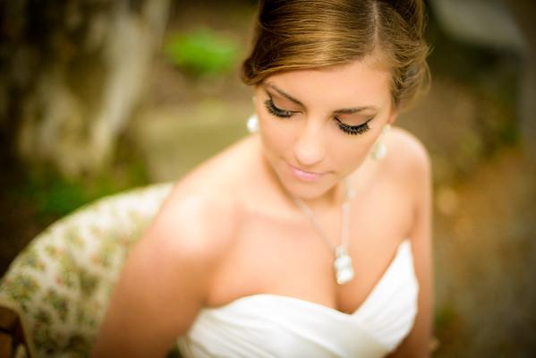 Tori Schmolke Bridal Portraits